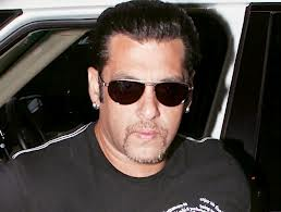 Salman_make_way_for_SRK
