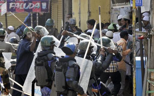 Police confront mobs in Old City area of Hyderabad