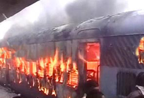 Gulbaraga_train_catches_fire